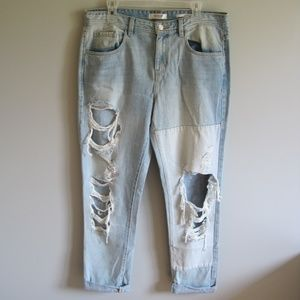 Guess Boy Fit Destroyed Jeans Women's Size 30